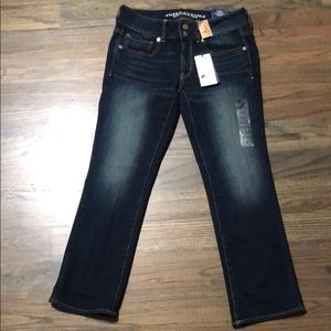 American Eagle artist crop jeans size 6. NWT!
